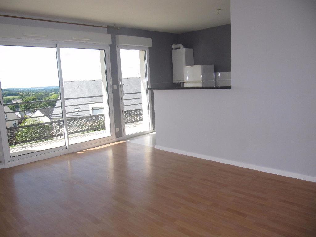 Appartement Crevin 3 pièce(s) 64 m2