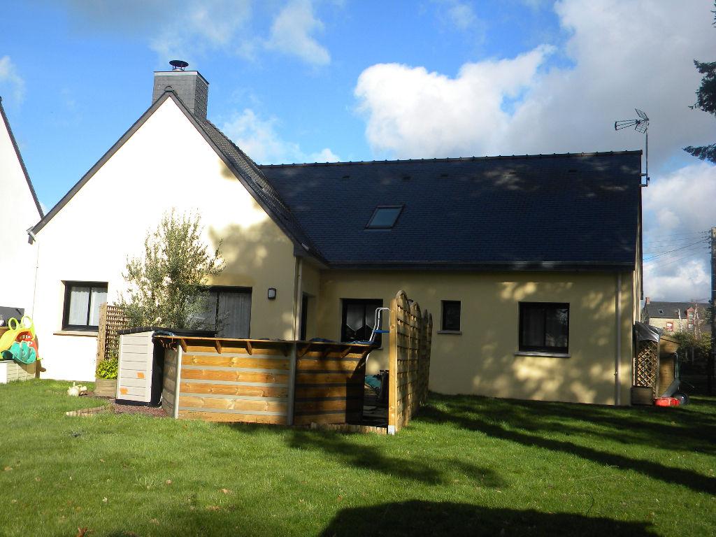 Bourg Des Comptes - 6 pièce(s) - 132 m²
