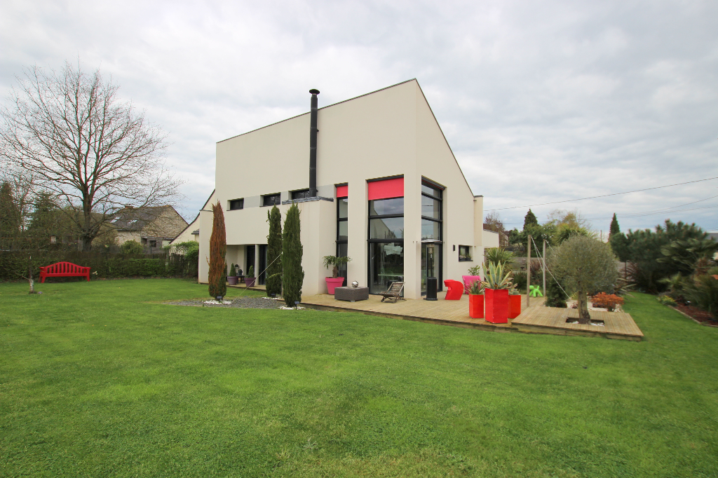 Bourg-des-comptes - 7 pièce(s) - 145 m²