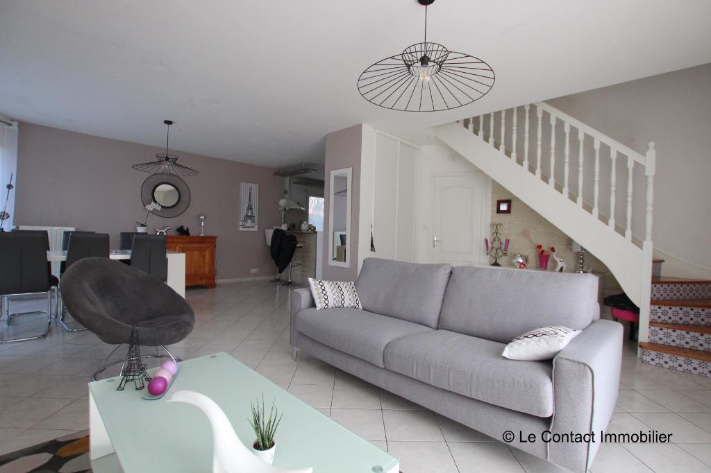 Maison Laille 6 pièce(s) 115 m²